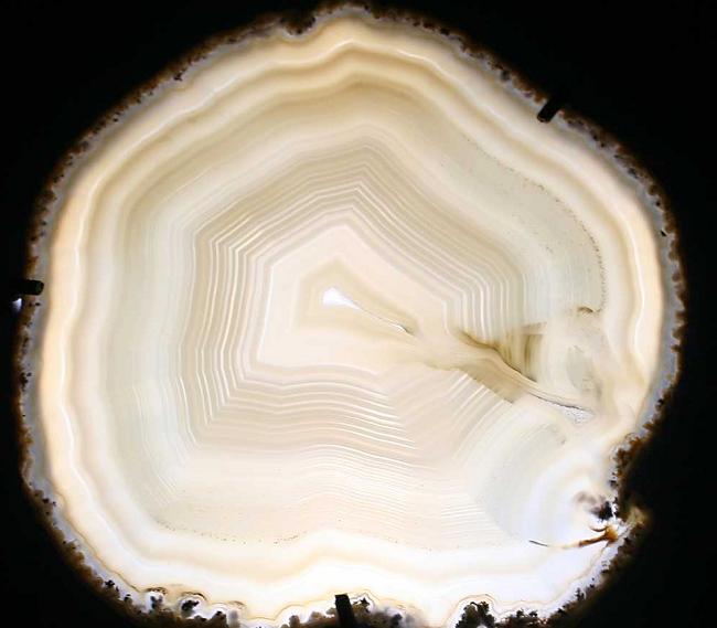 Белый агат