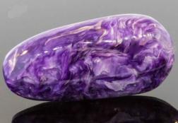 Камень Чароит – свойства, кому подходит, что нужно знать до покупки