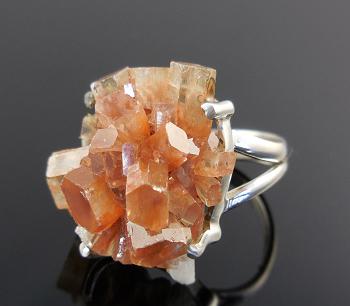 Необычное кольцо с арагонитом
