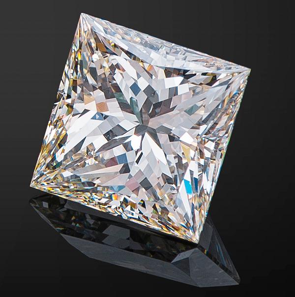 Искусстенный алмаз
