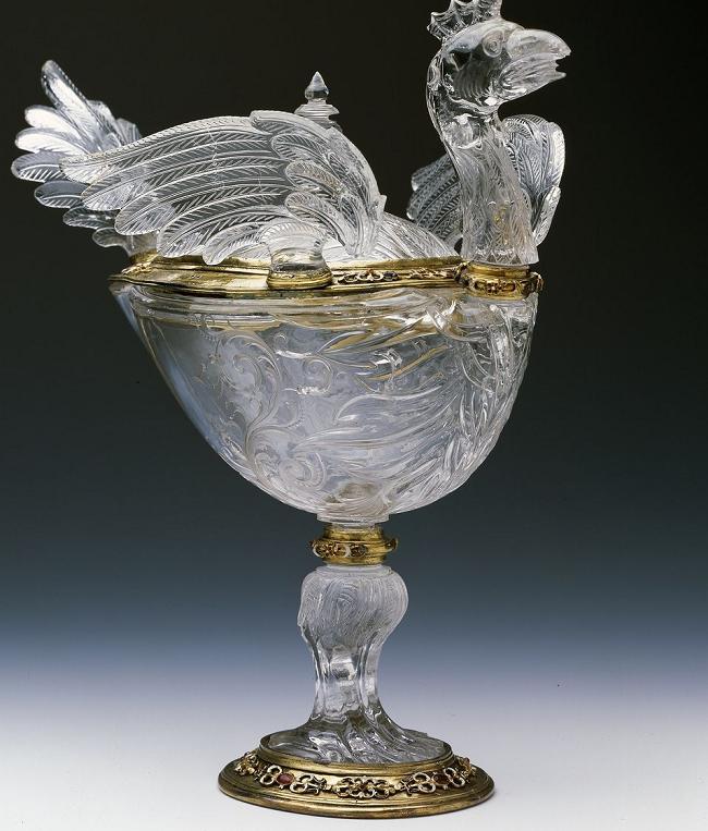 Чаша из хрусталя