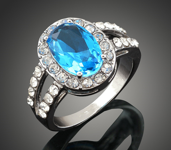 Кольцо с ювелирным стеклом
