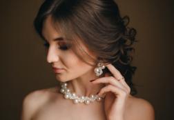 Как носить жемчуг: основные правила и приметы