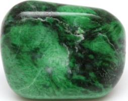 Нефрит: его свойства, виды, изделия