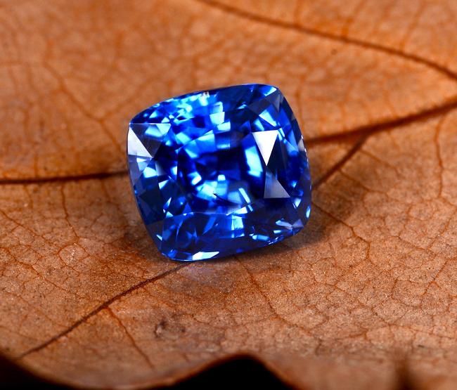 Синий сапфир корунд