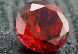 Рубин: описание камня, разновидности, магические свойства