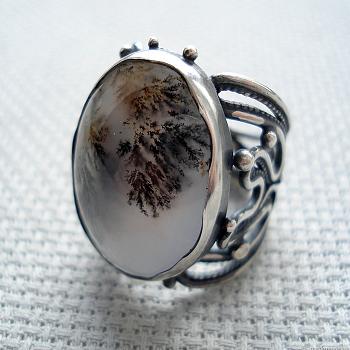 Кольцо с моховым агатом