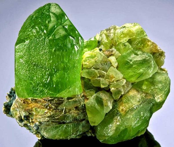 Оливин минерал