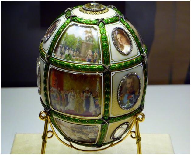 Яйцо Фаберже с хризолитами