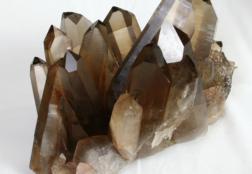 Раухтопаз: магический камень дымчатого цвета