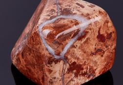 Яшма: история камня, разновидности, свойства