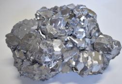 Галенит: свойства, месторождения, области применения