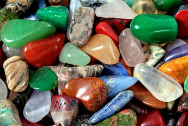 Разные породы камней