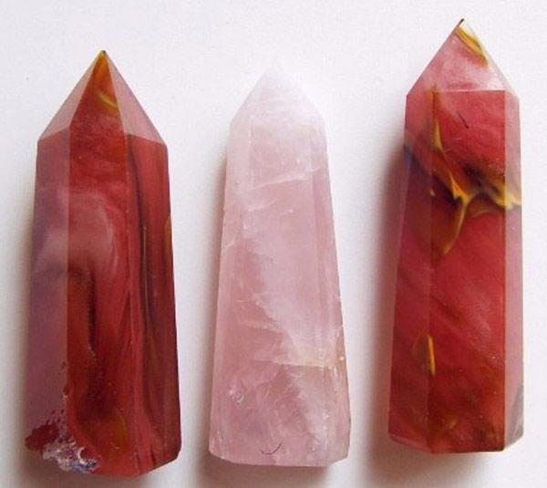 Розовый кварц натуральный и имитация